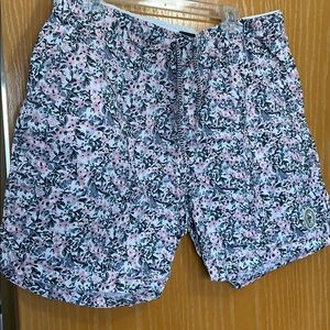 Floral shorts with elastic waistband